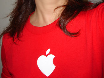 apple_hart_tshirt